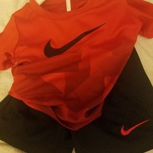 Nike shirt/shorts set